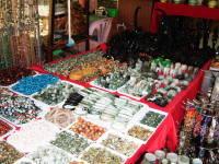 ヒスイの指輪や腕輪、置物などが売っていたお店
